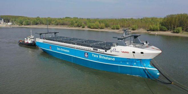 Првиот  автономен и електричен контејнерски брод на светот