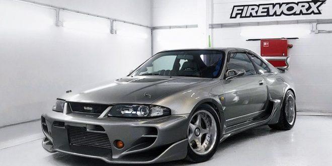 Тјунираниот R33 Skyline GT-R на Nissan чини 120.000 долари
