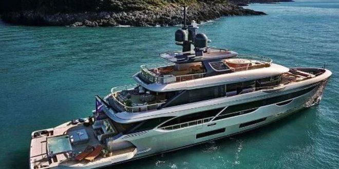 Ибрахимовиќ купува спектакуларна јахта вредна 20 милиони евра