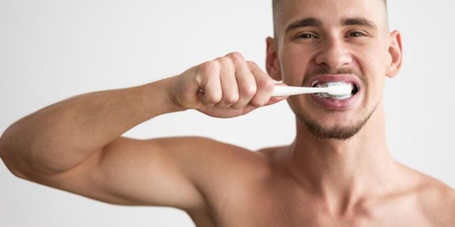 Најчести прашања и одговори за миење на забите!